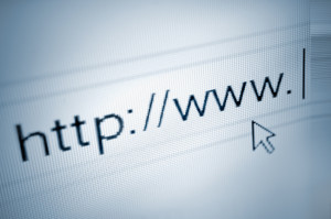 Der Einstellungstest für Rechtsanwaltsfachangestellte kann auch im Internet auf entsprechenden Plattformen geübt werden