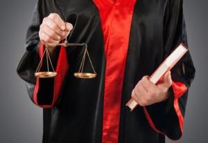 Der Gerichtsvollzieher ist Mittler zwischen Schuldner und Gläubiger.