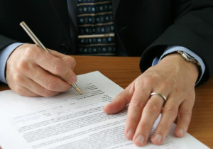 Gesetzlich muss kein Arbeitsvertrag mit einer Probezeit versehen werden.
