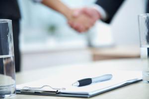 Der Arbeitsvertrag (mit Probezeit): Einige Arten sind zu unterscheiden.